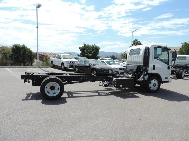 2017 Low Cab Forward Regular Cab, Cab Chassis #M1768 - photo 9
