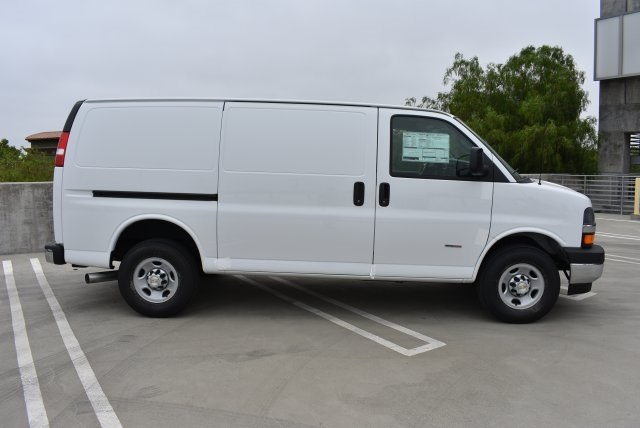 2017 Express 2500 Cargo Van #M17746 - photo 9