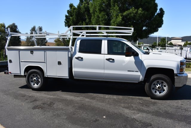 2017 Silverado 3500 Crew Cab 4x4, Harbor Utility #M17775 - photo 8