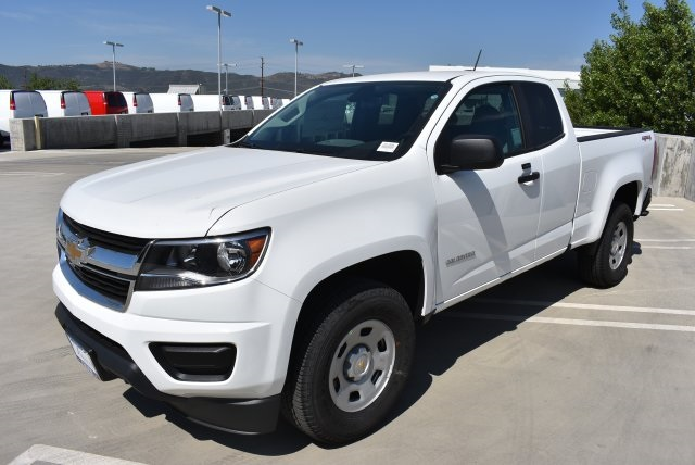 2017 Colorado Double Cab 4x4, Pickup #M17886 - photo 5