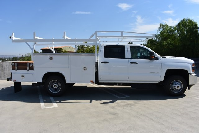 2017 Silverado 3500 Crew Cab 4x4, Harbor Combo Body #M17907 - photo 9