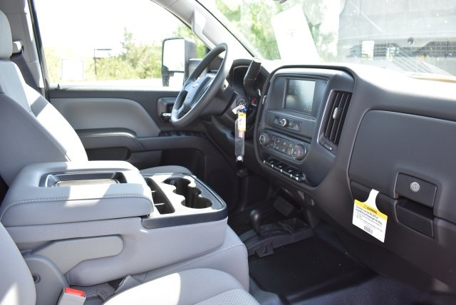 2017 Silverado 3500 Crew Cab 4x4, Harbor Combo Body #M17907 - photo 15
