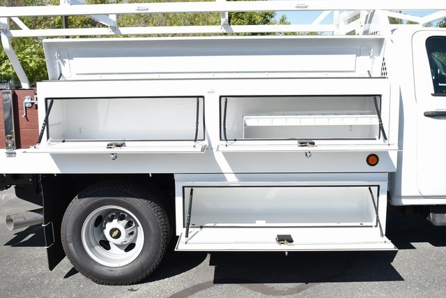 2018 Silverado 3500 Regular Cab DRW 4x2,  Royal Contractor Body #M18330 - photo 3