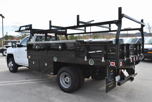 2018 Silverado 3500 Regular Cab DRW 4x2,  Knapheide Contractor Body #M18382 - photo 2