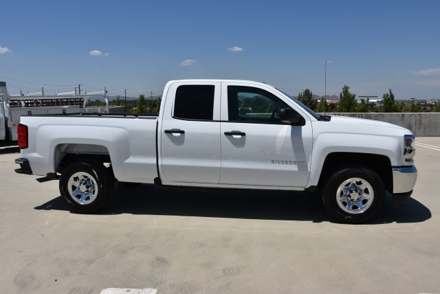 2018 Silverado 1500 Double Cab 4x2,  Pickup #M18632 - photo 9