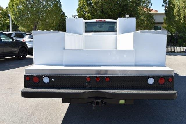 2019 Chevrolet Silverado 5500 Regular Cab DRW 4x2, Cab Chassis #M191008 - photo 3