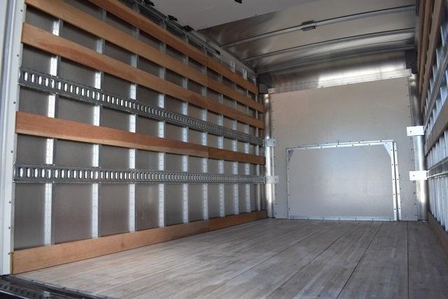 2019 Express 4500 4x2, Morgan Parcel Aluminum Straight Box #M191123 - photo 7