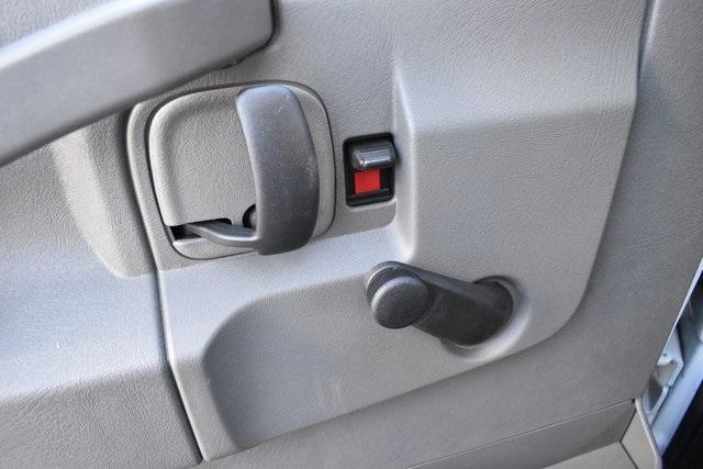 2019 Chevrolet Express 4500 4x2, Morgan Parcel Aluminum Straight Box #M191126 - photo 12