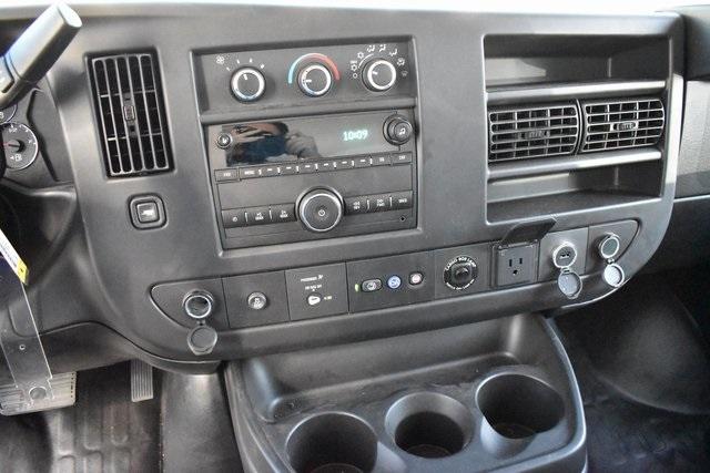 2019 Chevrolet Express 4500 4x2, Morgan Parcel Aluminum Straight Box #M191126 - photo 14