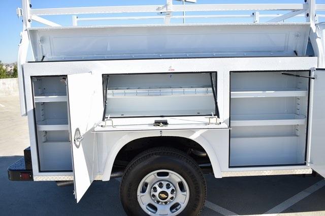 2019 Silverado 2500 Double Cab 4x2, Royal Service Body Utility #M191143 - photo 10