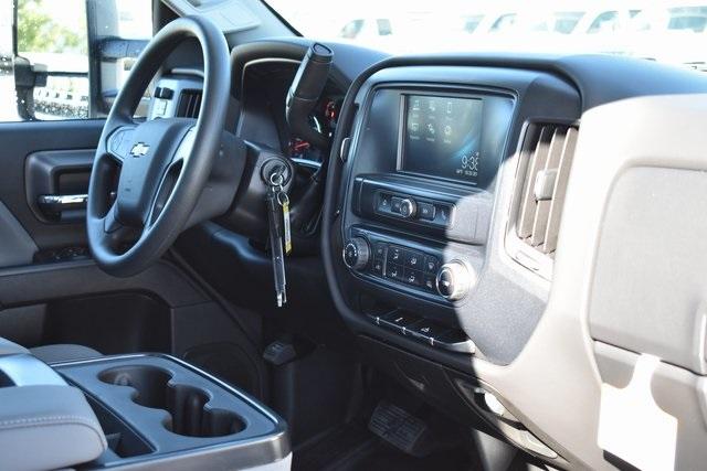 2019 Silverado 2500 Double Cab 4x2, Royal Service Body Utility #M191143 - photo 17