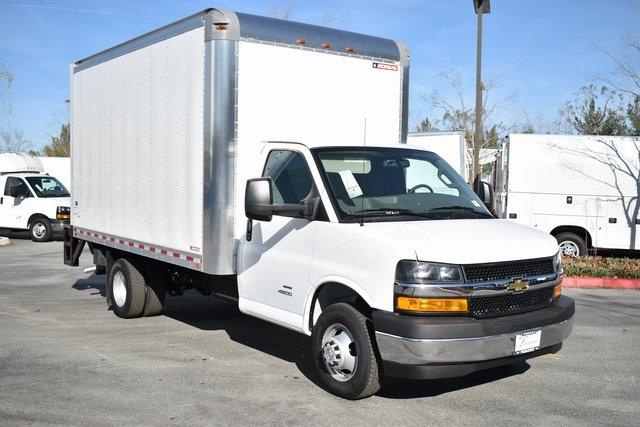 2019 Chevrolet Express 4500 4x2, Morgan Straight Box #M191149 - photo 1