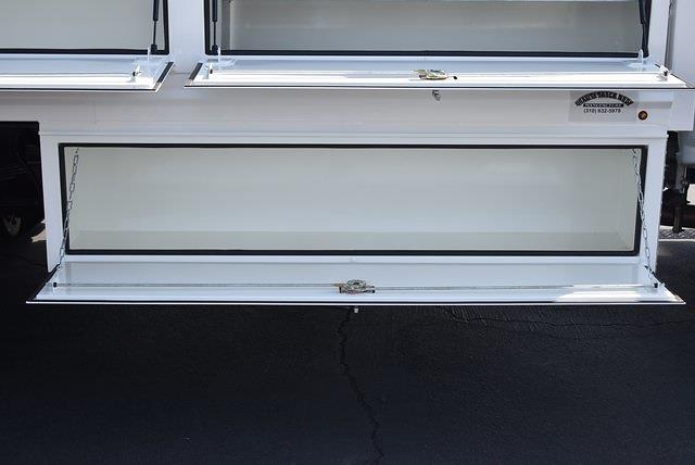 2019 Chevrolet Silverado 5500 Regular Cab DRW 4x2, Martin Contractor Body #M191224 - photo 10