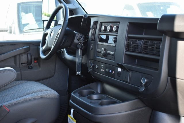 2019 Chevrolet Express 3500 4x2, Royal RSV Plumber #M191914 - photo 14