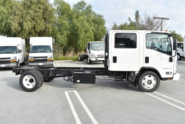 2019 LCF 5500XD Crew Cab 4x2,  Cab Chassis #M19260 - photo 10