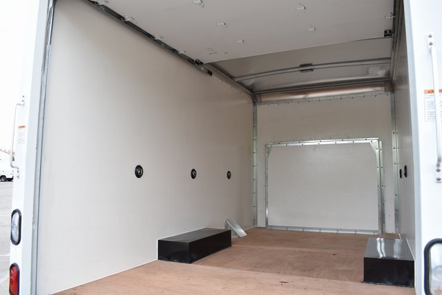2019 Express 3500 4x2,  Morgan Mini-Mover Straight Box #M19473 - photo 15