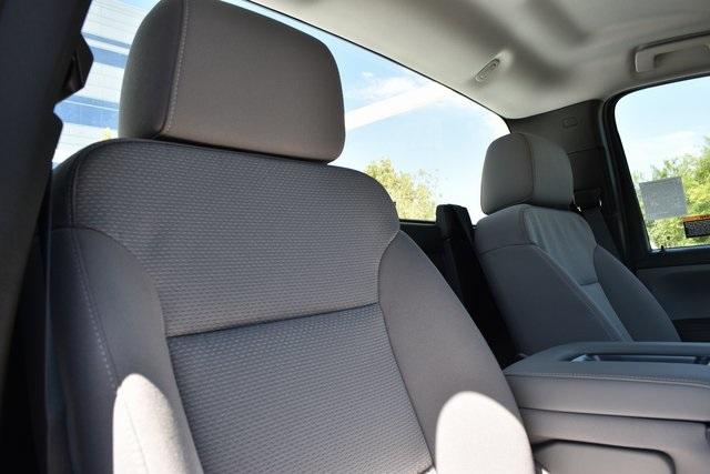 2019 Silverado Medium Duty Regular Cab DRW 4x4,  Knapheide Standard Service Body Utility #M19493 - photo 19