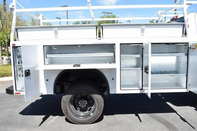2019 Silverado Medium Duty Regular Cab DRW 4x4,  Knapheide Standard Service Body Utility #M19493 - photo 9
