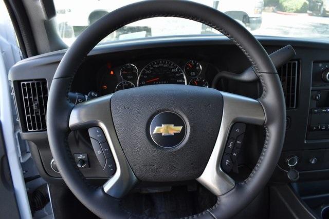 2019 Chevrolet Express 4500 4x2, Supreme Iner-City Straight Box #M19694 - photo 14