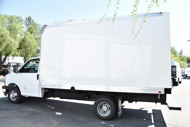 2019 Chevrolet Express 4500 4x2, Supreme Iner-City Straight Box #M19694 - photo 5