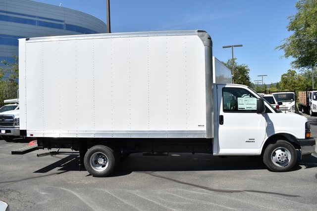 2019 Chevrolet Express 4500 4x2, Supreme Iner-City Straight Box #M19694 - photo 3