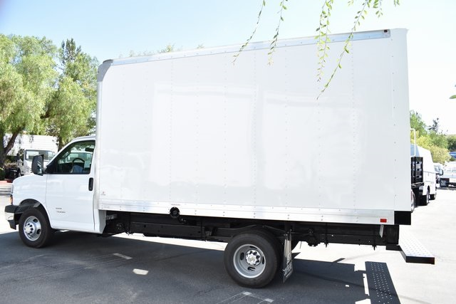 2019 Chevrolet Express 4500 4x2, Supreme Iner-City Straight Box #M19710 - photo 5