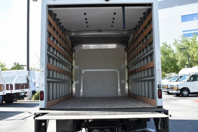2019 Express 4500 4x2, Morgan Parcel Aluminum Straight Box #M19721 - photo 13