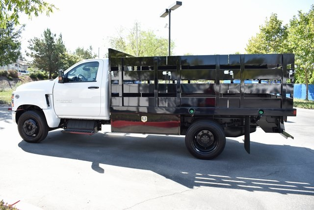 2019 Silverado Medium Duty Regular Cab DRW 4x2,  Harbor Black Boss Stake Bed Flat/Stake Bed #M19733 - photo 7