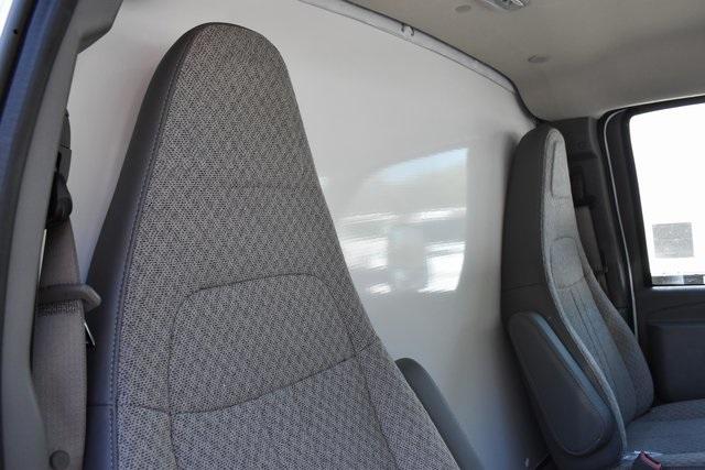 2019 Express 4500 4x2, Supreme Iner-City Straight Box #M19748 - photo 9