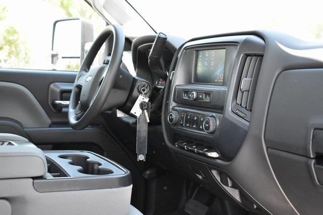 2020 Chevrolet Silverado 5500 Regular Cab DRW 4x2, Martin Contractor Body #M20078 - photo 10