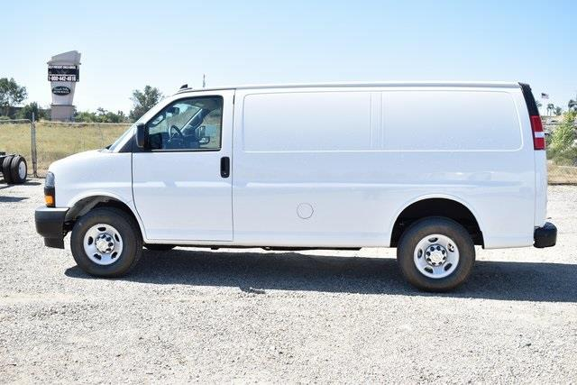 2020 Chevrolet Express 2500 4x2, Commercial Van Interiors Empty Cargo Van #M20362 - photo 4