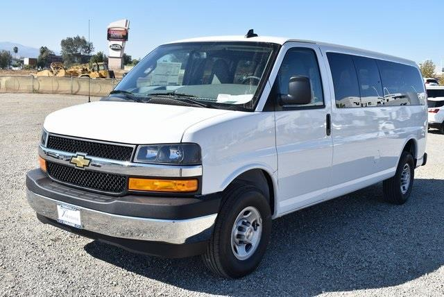 2020 Chevrolet Express 3500 4x2, Passenger Wagon #M20442 - photo 4
