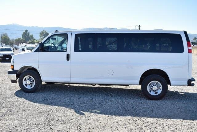2020 Chevrolet Express 3500 4x2, Passenger Wagon #M20442 - photo 5