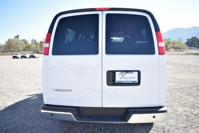 2020 Chevrolet Express 3500 4x2, Passenger Wagon #M20442 - photo 7