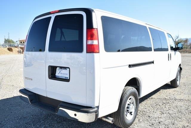 2020 Chevrolet Express 3500 4x2, Passenger Wagon #M20451 - photo 1