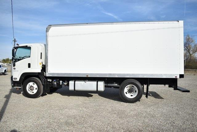 2020 Chevrolet LCF 6500XD Regular Cab DRW 4x2, Supreme Iner-City Dry Freight #M20485 - photo 6