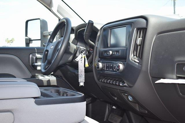 2021 Chevrolet Silverado 5500 Crew Cab DRW 4x4, Knapheide Value-Master X Platform Body #M21566 - photo 11