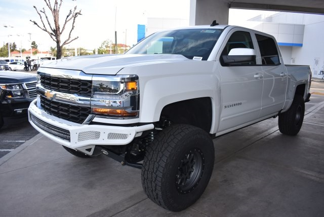 2017 Silverado 1500 Crew Cab 4x4, Pickup #T171100 - photo 5