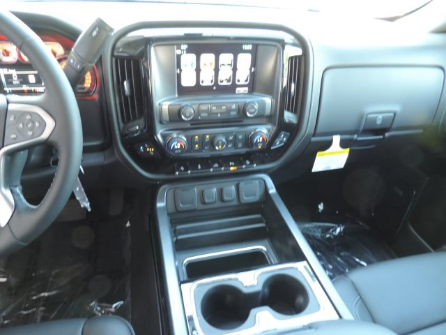 2017 Silverado 1500 Crew Cab 4x4, Pickup #T17131 - photo 18