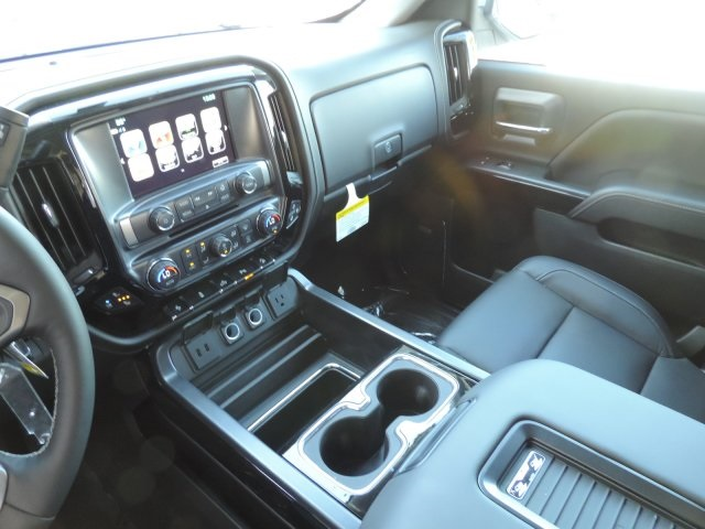 2017 Silverado 1500 Crew Cab 4x4, Pickup #T17131 - photo 19