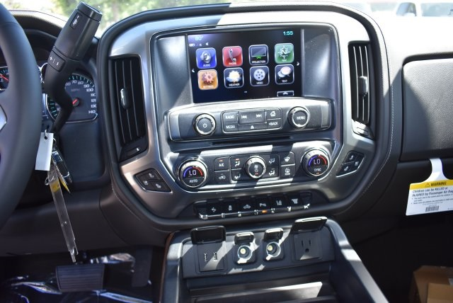2017 Silverado 2500 Crew Cab 4x4, Pickup #T17765 - photo 17