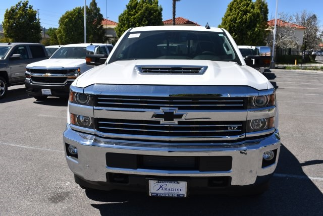 2017 Silverado 2500 Crew Cab 4x4, Pickup #T17765 - photo 3