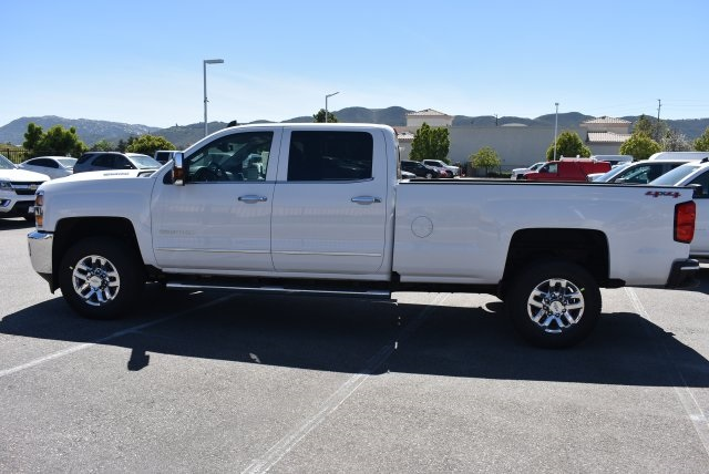 2017 Silverado 2500 Crew Cab 4x4, Pickup #T17765 - photo 5