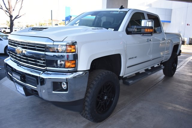 2017 Silverado 2500 Crew Cab 4x4, Pickup #T17866 - photo 4