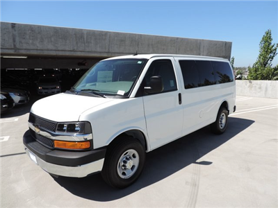 2015 Express 2500 4x2,  Passenger Wagon #1112464 - photo 1
