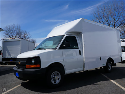 2015 Express 3500 4x2,  Dejana Truck & Utility Equipment Step-N-Cube Step Van / Walk-in #1139859 - photo 1