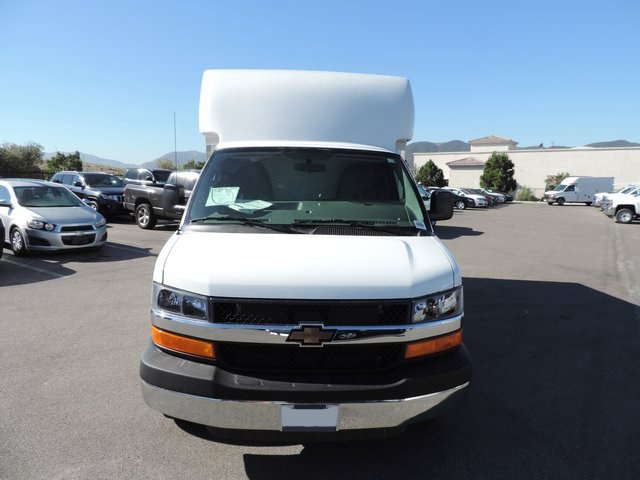 2014 Express 3500, Supreme Cutaway Van #1184642 - photo 3