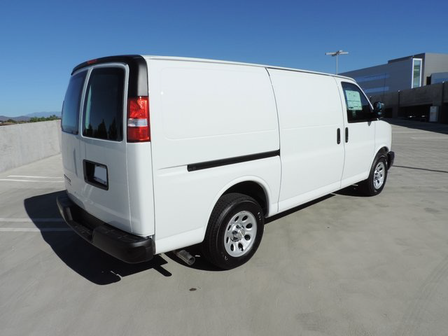 2014 Express 1500 4x2,  Empty Cargo Van #1201473 - photo 2