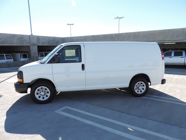 2014 Express 1500 4x2,  Empty Cargo Van #1201473 - photo 3