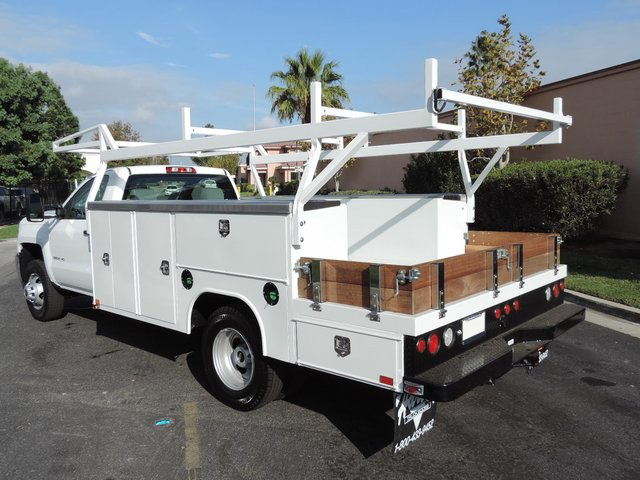 2015 Silverado 3500 Regular Cab, Harbor Combo Body #F148495 - photo 2